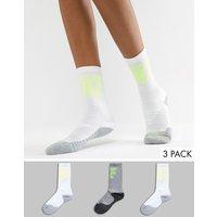 Pack de 3 pares de calcetines deportivos con logo en lima y multicolor de Nike