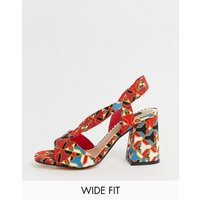 River Island Wide Fit heeled sandals in abstract geo print - Geo print