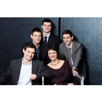Family Photoshoot with a £50 off voucher - UK Wide Special Offer - Special Gifts