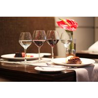 Three Course Meal with Champagne at Holiday Inn Reading - Buyagift Gifts