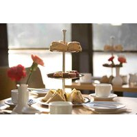 Afternoon Tea on the Thames with Moet and Chandon Champagne for Two - Buyagift Gifts