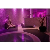 Beautiful Glow with Bubbly at River Wellbeing Spa