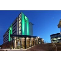Luxury Getaway at Holiday Inn Reading for Two - Reading Gifts