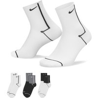 Nike Everyday Plus Lightweight Women's Training Ankle Socks (3 Pairs) - Multi-Colour