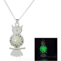 glow-in-the-dark-owl-style-pendant-necklace-silver-green