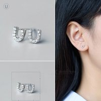 creative-spelling-english-alphabet-u-stud-earring-for-women-silver