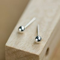 round-shape-4mm-pure-silver-ear-stud-earrings
