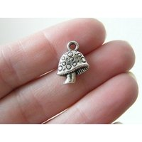 6 Mushroom charms antique silver tone L171 - Mushroom Gifts