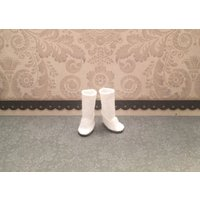 Blythe Doll boots  ugg style boot  longer length  white - Ugg Gifts