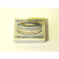 Queen Elizabeth The Queen Mother 90th Birthday  Birthday Cake With Box  Made By Mary Ford Royal Baker Who Also Baked Princess Dianas Cake - 90th Birthday Gifts