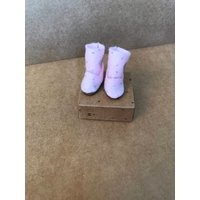 Blythe boots  UGG style boots. Blythe doll pink wool felt boots with glittered dots and hearts - Ugg Gifts