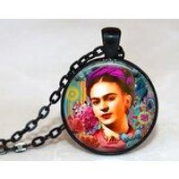 FRIDA KAHLO Pendant /  Frida Kahlo Necklace / Frida Kahlo / Mexican artist  / Frida Kahlo de Rivera / Unisex Pendant - Artist Gifts