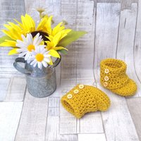 Unisex baby booties, gender neutral, boys shoes, girls shoes, baby shoes, crocheted booties, ugg boots, baby shower, - Ugg Gifts