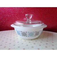 Vintage Pyrex 1960s Chelsea pattern small dish and lid. Kitchenalia - Chelsea Gifts