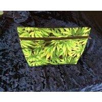 Make up/ toiletry bag in Cannabis leaf print, hemp leaf - Cannabis Gifts