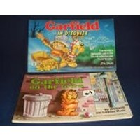 Garfield Comic Strip Books x2 In Disguise and On the Town 1980s Jim Davis Paperbacks - Garfield Gifts