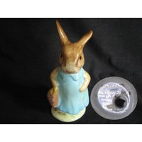 Mrs Flopsy Bunny (Dark Blue dress and pink bag)  Gold Oval BP2, First version, Beatrix Potter Figurine - Beatrix Potter Gifts
