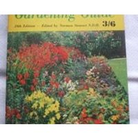 MIDDLETONS Gardening Guide 19th Edition Paperback Published by Harold Starke Limited 1962 - Gardening Gifts