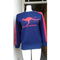 Ideal for Christmas jumper fun novelty 1970s 80s navy and red jumper with a kangaroo skiing and says Australia down the sleeve - Kangaroo Gifts