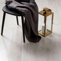 Bannerton White Gloss Mahogany effect Laminate Flooring Sample