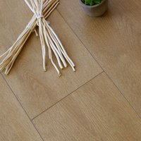 Showhome Natural light Wood effect Luxury vinyl click flooring 2.42m² Pack