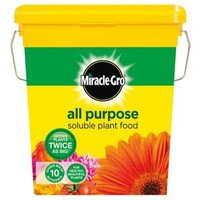 Miracle Gro Soluble Universal Plant feed 2kg