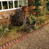 Traditional Sawtooth Paving edging Brindle red  (L)550mm (H)140mm (T)100mm