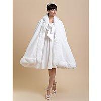 Fur Wraps / Wedding Wraps / Hoods Ponchos Capes Faux Fur Ivory Wedding / Party/Evening