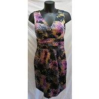 Image of L.K. Bennett London - Size: 12 - Gold with Floral - Knee Length Evening dress