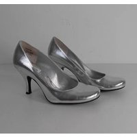 Image of Kenneth Cole Reaction Size: 4.5 Silver Patent Effect Courts