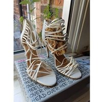 Image of Lovely NEW LOOK heels. New Look - Size: 6 - White