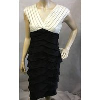 Image of Black and white evening dress Adrianna Papell - Size: 8 - Black - Cocktail dress