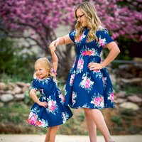 Vintage Floral Printed Short-sleeve Pleated Dress in Navy for Mom and Me