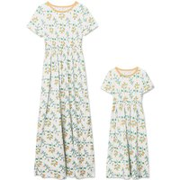 Sweet Floral Print Short Sleeve Maxi Dress in White for Mom and Me