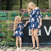 Pretty Floral Printed Short-sleeve Dress in Navy for Mom and Me