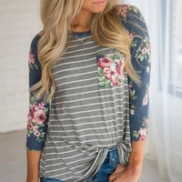 Fashionable Floral Design Long-sleeve T-shirt