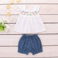 Sweet Flower Print Flutter-sleeve Top and Shorts Set for Baby Girl