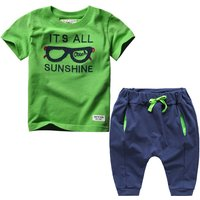 2-piece Boys' Fashionable Short-sleeve Letter Tee and Solid PP Pants