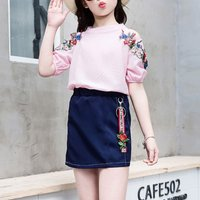 2-piece Pretty Flower Applique Short-sleeve Tee and Skirt Set for Girl