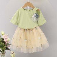 Toddler Girl's  Flower Decor T-shirt and Star Print Tulle Skirt