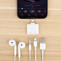 Dual Ports Charging Audio Adapter for iPhone