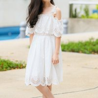 Pretty Solid Hollow Out Cold Shoulder Dress in White