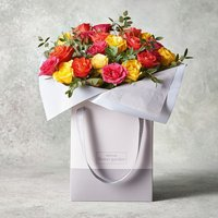 Mixed Sweetheart Roses Gift Bag Yellow or orange
