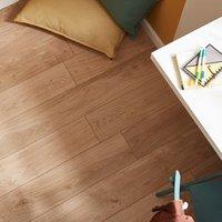 GoodHome Gladstone Natural Oak effect Laminate flooring  2m² Pack