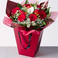 Valentine's Gift Bag - Bunches Gifts