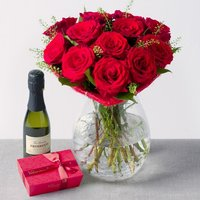 Heart of Roses Gift - Bunches Gifts