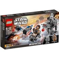 LEGO Star Wars Ski Speeder v First Order Walker Mic 75195