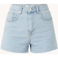 NA-KD High waist straight fit korte spijkerbroek met gerafelde zoom
