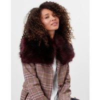 Hurdlow Short Faux Fur Scarf