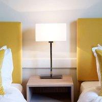 Elegante lámpara de mesa PARK LANE, pulido/blanco
